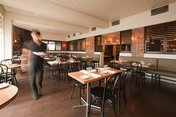 Ambiance bistrot melbourne red banana studio for Hotel design 06