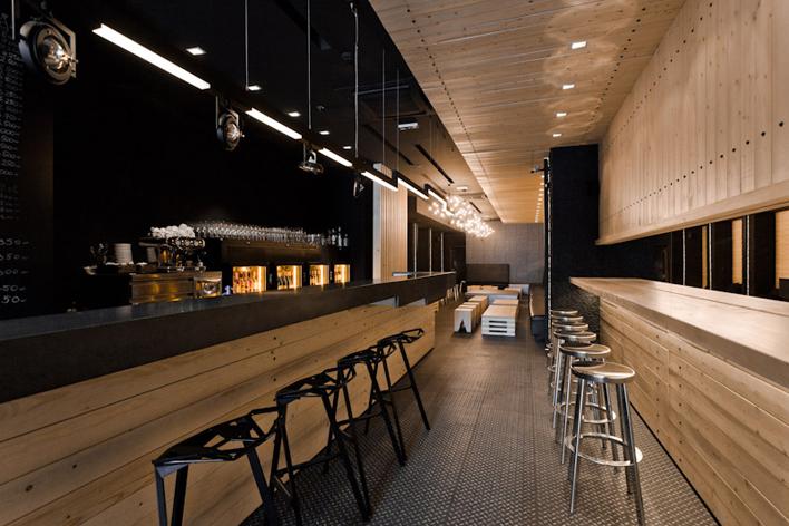 interieur-bar-a-vin5