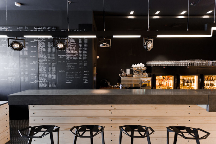 interieur-bar-a-vin6