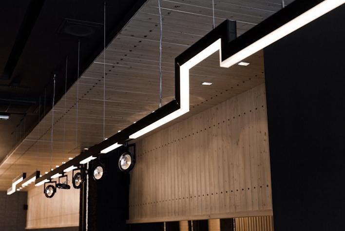 interieur-bar-a-vin7