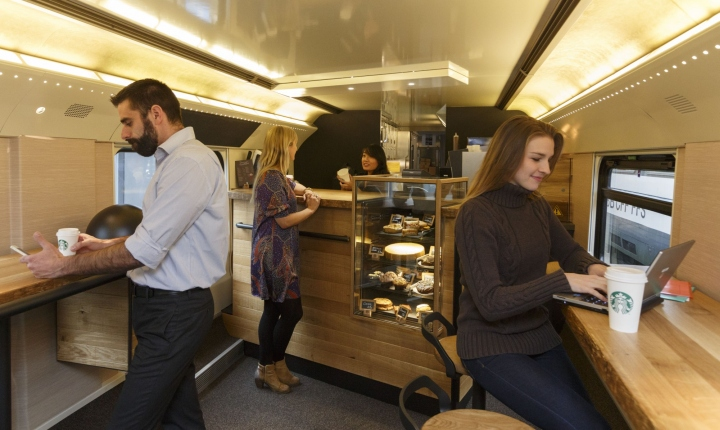 interieur-starbucks-train6