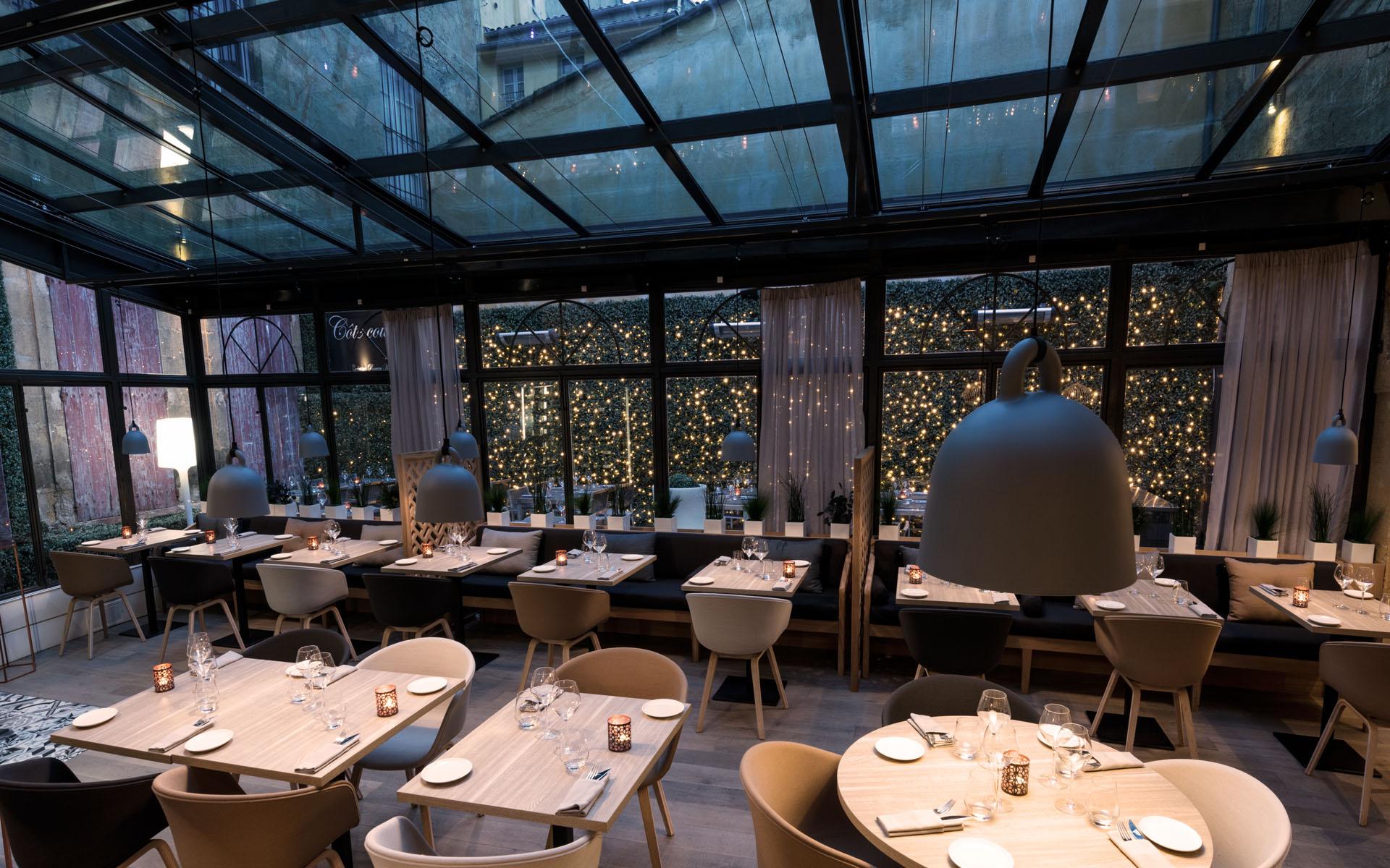 intérieur du restaurant coté cour à aix en provence 8