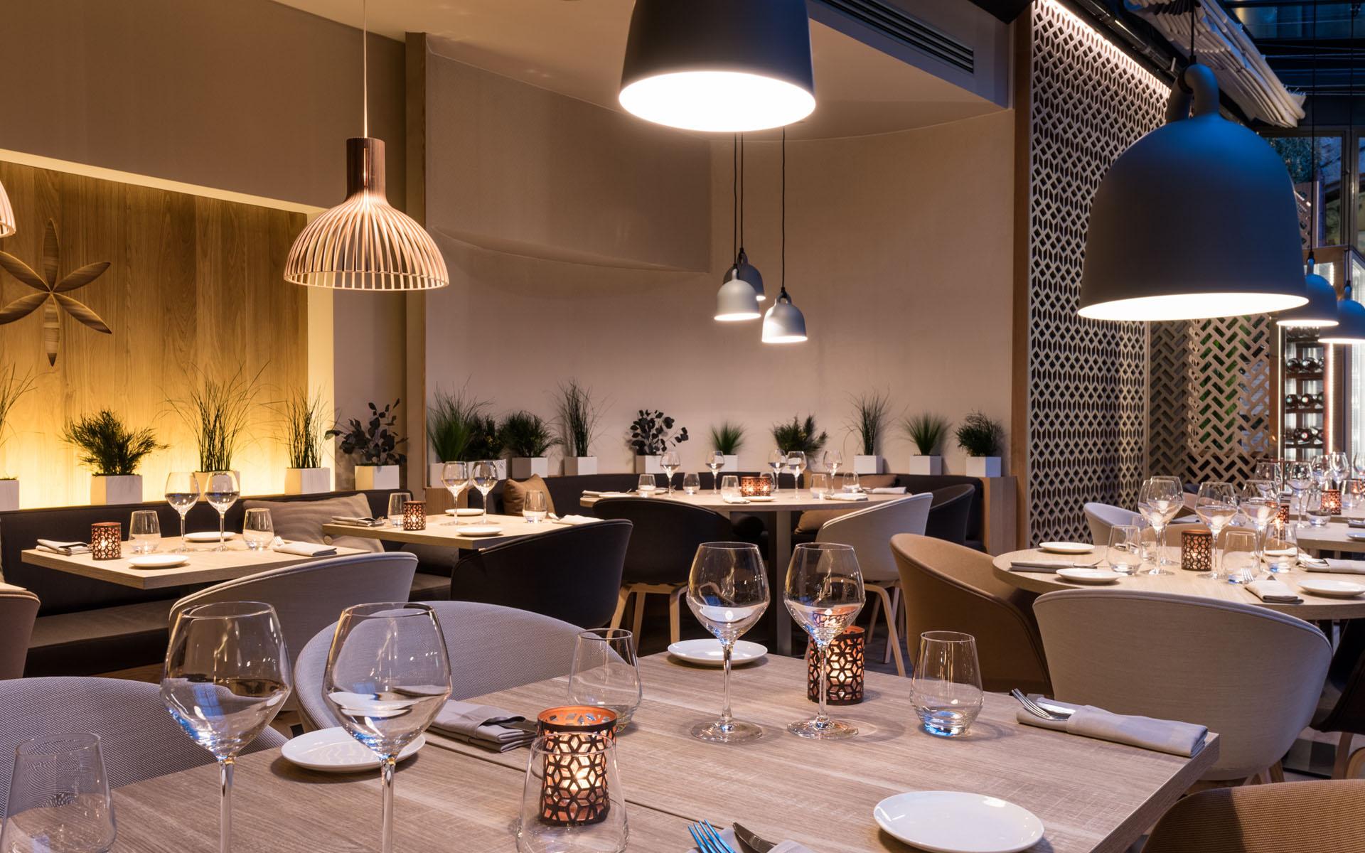 Restaurant c t cour aix en provence red banana studio for Ou bien manger a aix en provence