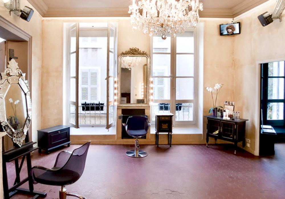 Architecture commerciale red banana studio architecte for Hotels 2 etoiles aix en provence