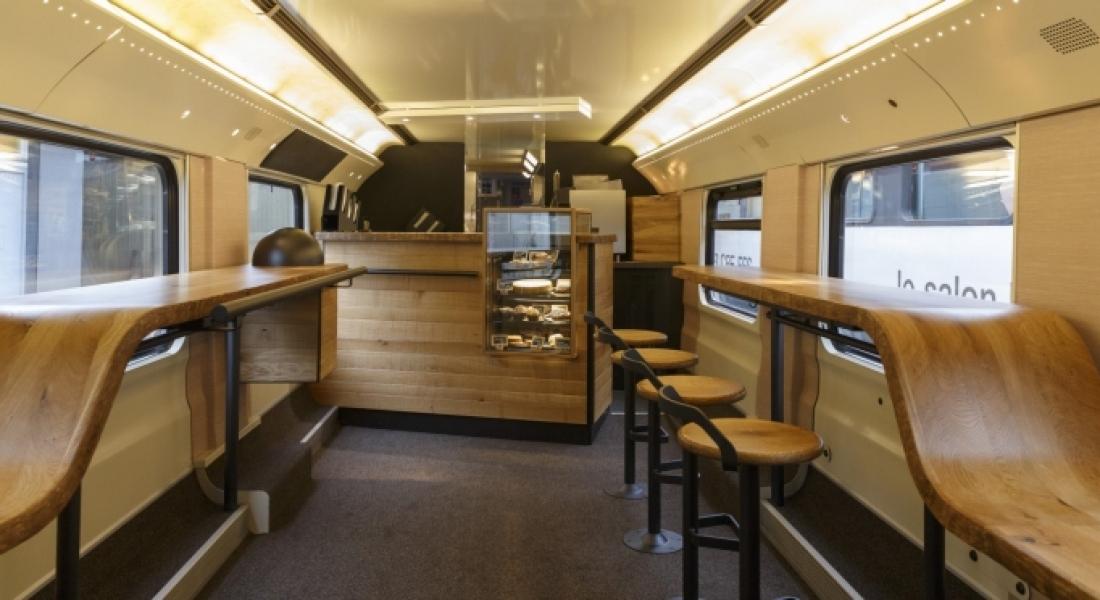 On a aimé : Un Starbucks à l'intérieur d'un train Suisse